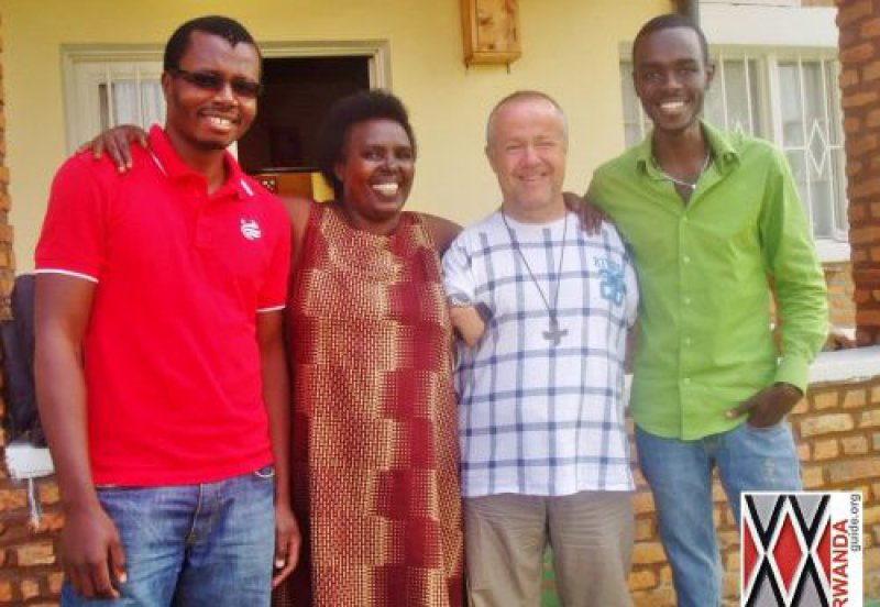 rwanda guide avec Dominique